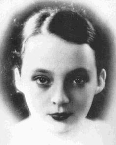 """Très vite dans ma vie il a été trop tard."" L'Amant, Marguerite Duras / ""Very early in my life it was too late."" The Lover, Marguerite Duras"