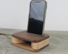 Dieser Artikel ist nicht verfügbar | Etsy Support Ipad, Support Iphone, Wooden Door Stops, Wooden Doors, Soap Dish For Shower, Wood Phone Stand, Iphone Stand, Portable Iphone, Wooden Desk Organizer