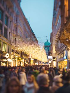 Christmas in Vienna can be as magical as a fairytale. This is the Kohlmarkt street Danube River, Imperial Palace, Blog Pictures, Travel Information, Vienna, Austria, Christmas Time, First Time, Street View