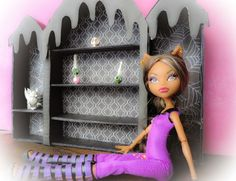 DIY doll projects : Monster High doll coffin bed and book shelf