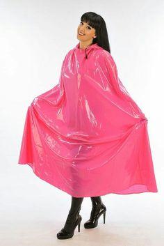 I would love this Pink pvc cape! Plastic Pants, Pink Plastic, Girls Wear, Women Wear, Imper Pvc, Rain Bonnet, Mode Latex, Pink Raincoat, Capes & Ponchos