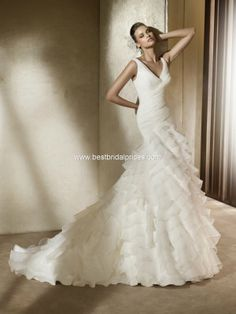 Pronovias 'Alfa', size Was You pay Pretty Wedding Dresses, Luxury Wedding Dress, Wedding Dress Styles, Bridal Dresses, Bridesmaid Dresses, Dream Wedding, Prom Dresses, Ivory Wedding, Wedding Beauty