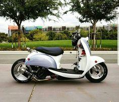 Honda Scooters, Motor Scooters, Scooter Custom, Custom Bikes, Vespa 300, Honda Metropolitan, Honda Ruckus, Moto Style, Mini Bike