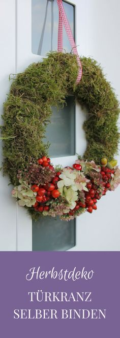 Tying an autumn door wreath yourself is not difficult at all. For the autumn wreath made of natural materials, almost everything can be found on an autumn walk. After tying the moss wreath, decorate the autumn wreath. The autumn door wreath is…Read Thanksgiving Wreaths, Autumn Wreaths, Thanksgiving Decorations, Christmas Wreaths, Christmas Crafts, Advent Wreath, Diy Wreath, Door Wreaths, Burlap Wreath