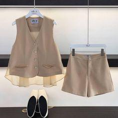 Kpop Fashion Outfits, Modest Fashion, Boy Fashion, Korean Fashion, Girl Outfits, Fashion Dresses, Womens Fashion, Fashion Design, Pinterest Fashion