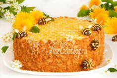 Один из самых вкусных и любимых тортов, которые наверняка обожают многие сладкоежки - Медовик. Cake Recipes, Dessert Recipes, Desserts, Bee Cookies, Kids Lunch For School, Honey Cake, Sweet Pastries, Cakes And More, Yummy Cakes