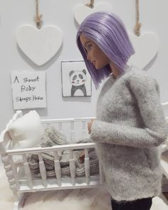 """Olivia Llarena on Instagram: """"A cradle for a small baby with a huge heart👶🏻💜💜💜💜💜💜💜…"""" Barbie Dolls Pregnant, Barbie Diorama, Baby Goods, Barbie Family, Barbie Model, Modern Dollhouse, Small Baby, Barbie Accessories, Barbie Collection"""