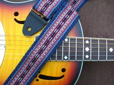 ASpinnerWeaver: Simple Pickups - Dots and Dashes Inkle Weaving, Inkle Loom, Card Weaving, Tablet Weaving Patterns, Types Of Guitar, Celtic Knot Designs, Learn To Play Guitar, Guitar Strings, California Homes