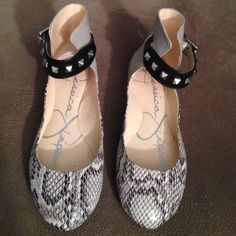 Jessica Simpson Snakeskin Rockstud flats! Worn once! Brand New condition! Flats! Snakeskin!  Jessica Simpson Shoes Flats & Loafers