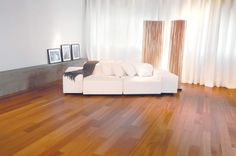 Mirage Floors, the world's finest and best hardwood floors. www.miragefloors.com #Mirage #Hardwood #Floor #Sapele #Natural #Living #Room