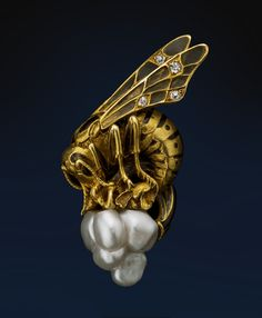 Lucien GAUTRAIT (1865-1937) Hornet Brooch. 18 Karat Gold & Enamel with Diamonds & Baroque Pearls. Paris, France. Circa 1900.