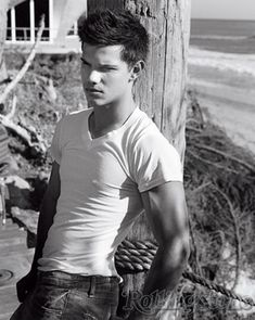 Taylor Lautner in Fitted White is listed (or ranked) 6 on the list Hot Taylor La. - Taylor Lautner in Fitted White is listed (or ranked) 6 on the list Hot Taylor Lautner Photos - Jacob Black, Johny Depp, Teen Guy, Van Halen, New Moon, Hot Boys, To My Future Husband, Rolling Stones, Celebrity Crush