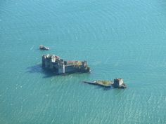 #lagomaggiore #castle ruins Castle Ruins, Abandoned Places, Planes, Trains, Landscape, History, Castles, Swiming Pool, Italia