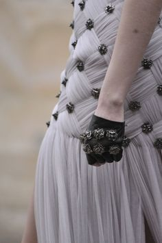 Alexander McQueen Paris Fall 2011  It all starts with a piece of plain fabric !