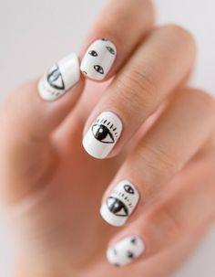 Tuto nail art : l'œil tribal porte-bonheur - Elle