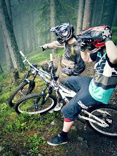 Pick your line!    #mtb #mountainbiking #downhill