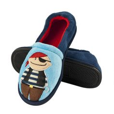 Boys will love to wear these fun blue fleece pirate character full shoe slippers with contrast red warm fleece lining for added warmth & comfort
