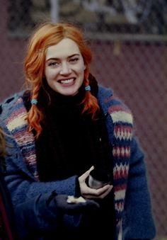 eternal sunshine of the spotless mind. i'm not so much a fan of kate winslet, but i think she is just gorgeous in this film. Clementine Eternal Sunshine, Series Quotes, Pretty People, Beautiful People, Meet Me In Montauk, Michel Gondry, Manic Pixie Dream Girl, Kate Winslet, Up Girl