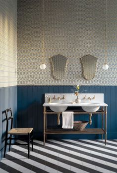 Cole and Son Hicks' Hexagon Wallpaper - New Contemporary Hexagon Wallpaper, Metallic Wallpaper, Interior, Contemporary Wallpaper, Geometric Wallpaper Design, Cole And Son Wallpaper, Bathroom Design, Bathroom Decor, Modern Bathroom Tile