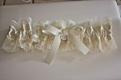 I love garters because they are SO easy to make and the possibilities are endless when making them! I mean really, you can do or use anythi...