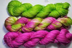 Stricklilly's Seite: handgefärbte Wolle
