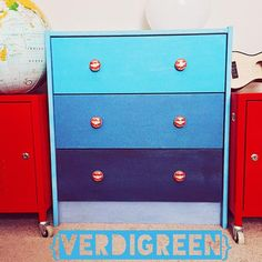 So easy a kid can do it! | Chalk Paint® by Annie Sloan | Verdigreen | Giverny Napoleonic Blue custom color mix | #kidfriendly #diy #family #paint #project #ikea #beforeandafter #howto