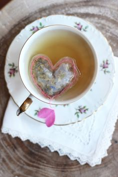 DIY Heart Shaped Tea Bags @honestlyyum