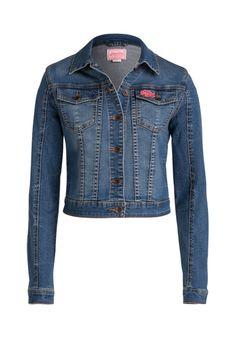Jeansjacken sind in der Übergangszeit einfach ideal und kommen nie aus der Mode.