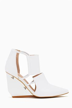 Statement shoes are a must for summer!