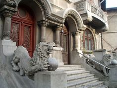 *Doors of Bucharest* Vila Mimi & Titi in Cotroceni, Bucharest, Romania Capital Of Romania, Palace Of The Parliament, Bucharest Romania, Unusual Animals, Beautiful Park, My Town, Eastern Europe, Architecture Details, Tourism