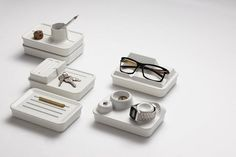A desktop organiser and pen pot combined, the simplicity of Danzo's Landscape Valley design belies the storage solution it offers. They offer demarcation between objects and create four separate Desktop Organization, Home Organization, Beton Design, Concrete Design, Concrete Art, Wood Design, Valley Landscape, Desk Tidy, Office Desk