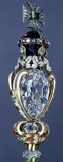 """The Cullinan I, also named the """"Great Star of Africa"""", is a 530.2 carat diamond. It is part of the British crown jewels and is usually on display in the Tower of London."""