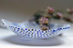 White millefiori glass ring dish, mini decorative plate con murrini,  modern glass art, blue white ring dish, sariyer