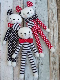 Gee's Projects: Summer time and 'Fergus the Mouse' soft toy Fabric Toys, Fabric Crafts, Sewing Crafts, Sewing Projects, Sew Toys, Pdf Sewing Patterns, Doll Patterns, Diy And Crafts, Crafts For Kids