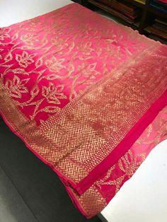 Banaras Sarees, Chanderi Silk Saree, Chiffon Saree, Saree Dress, I Dress, Silk Sarees, Saree 2017, Saree Photoshoot, Saree Blouse Designs