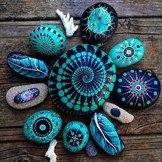 #YuliaArtDots #Yuliart #paintedstones #turquoiserocks #turquoise #stoneflower #pebbles #rocks #dots #dotartpainting #dotartwork #dotting #coral #seatreasure #myart #artlovers