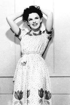Judy Garland's dress here is so wonderfully sweet! #vintage #1940s #actress
