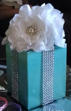 Baby Shower Coed Prizes Breakfast At Tiffanys 21 Best Ideas Tiffany Blue Party, Tiffany Birthday Party, Tiffany Theme, Tiffany Wedding, Tiffany And Co, Tiffany Box, Party Centerpieces, Wedding Decorations, Tiffany Blue Centerpieces