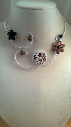 Brown and black jewelry, brown and black necklace, Alu wire jewelry - Flowers necklace - Alu wire necklace - Open collar necklace Wire Necklace, Black Necklace, Metal Necklaces, Flower Necklace, Collar Necklace, Earrings, Bohemian Bracelets, Bohemian Jewelry, Beaded Jewelry