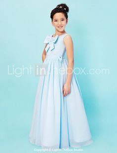 I like this. Do you think I should buy it  Bridesmaid Dresses Online 0b8354f38052