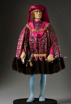 About Lorenzo de Medici, Lorenzo the Magnificent, from Renaissance and Reformation, a full length portrait by artist and historian George Stuart. Historical Costume, Historical Clothing, Barbie Y Ken, Renaissance And Reformation, Doll Museum, Renaissance Men, Art Sculpture, Medieval Costume, Medieval Fashion