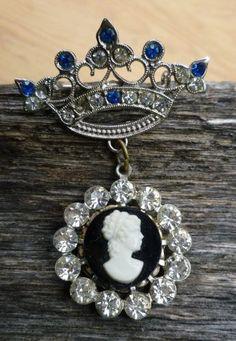 Vintage Crown Rhinestones Dangle Cameo Pin