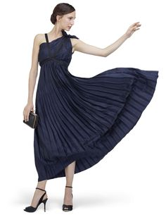 Dress: Isadora in Eclipse blue by Repetto. That's Isadora as in Isadora Duncan.
