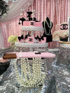 Angel's touch events 's Baby Shower / Chanel - Photo Gallery at Catch My Party Chanel Birthday Party, Chanel Party, Paris Birthday, 50th Birthday Party, Fancy Baby Shower, Paris Baby Shower, Shower Party, Baby Shower Parties, Girl Baby Shower Decorations