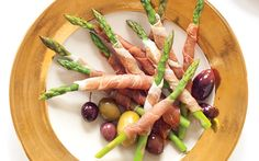 Prosciutto Wrapped Asparagus #healthyeating