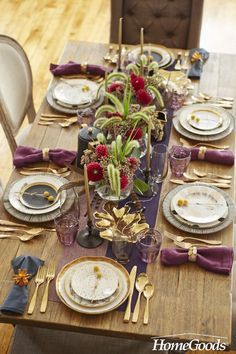 Unexpected ideas, place cards and a free printable for your holiday table. Happy hosting!