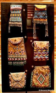 Apache Beadwork Designs - super inspiration for my pupils small bags with embroidered  geometrical pattern