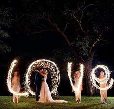 Night Wedding Photos, Wedding Night, Wedding Poses, Wedding Photoshoot, Wedding Pictures, Wedding Ceremony, Night Photos, Wedding Sparklers, Rustic Wedding Photos
