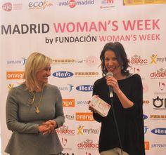 Neus Ferri y Carmen Mª García disfrutaron de la entrega del ARTISTA CON CORAZÓN de 2015. Madrid, Hero, Women, Parts Of The Mass, Singers, Artists, Woman