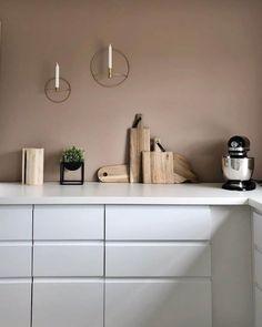 10 hjem malt i Senses 2024 fra Jotun Decor, Minimalism Interior, Interior Trend, Interior, House Inspiration, Home Decor, Ikea Cabinets, Small Furniture, Hallway Designs